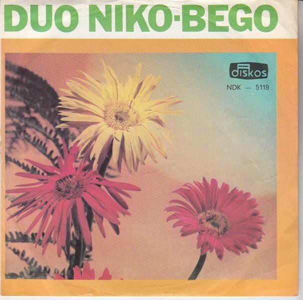 Duo Niko-Bego - Pjesma Umjesto Cvijeca/bolno Srce Place